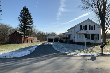 8 acres Country Home and Barn Clinton NY